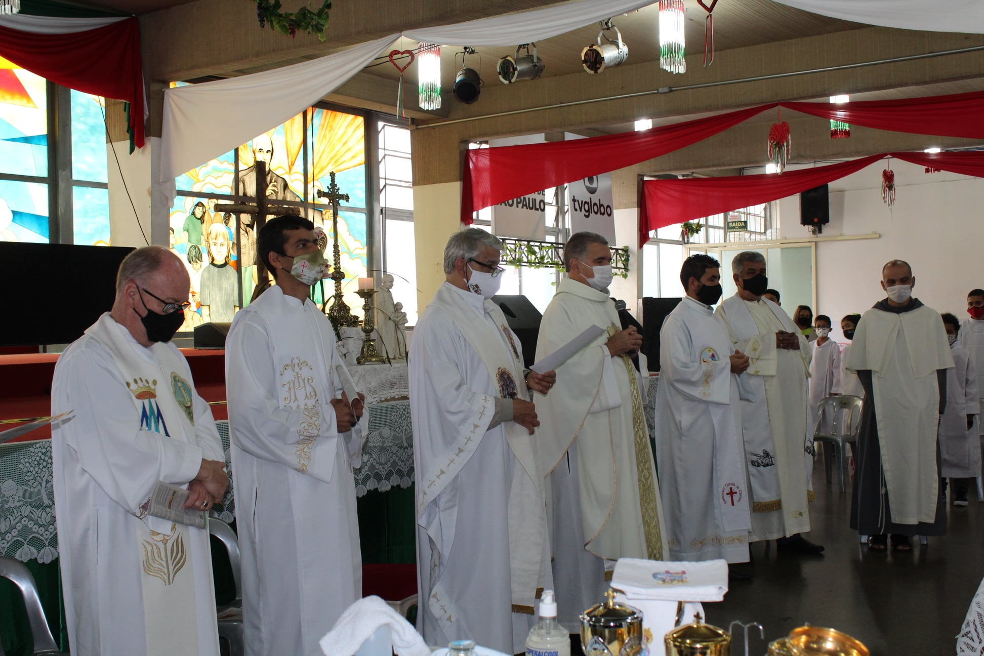 04-95-Festa-Missa-e-Coroacao-14
