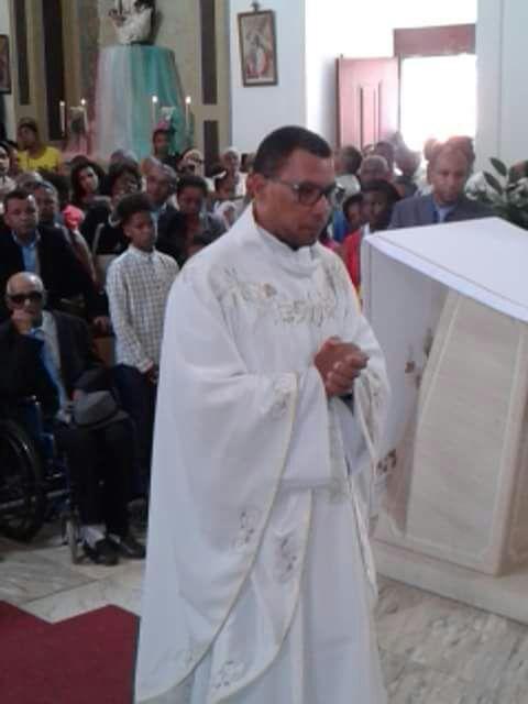 01 Ordenação Sacerdotal em Cabo Verde (2)